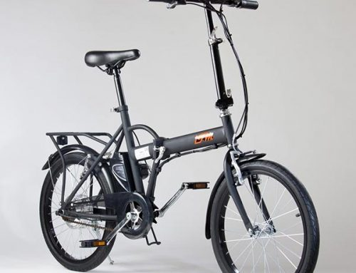 Bicicletta elettrica pieghevole IFM nera con batteria agli ioni di litio